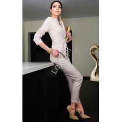 Dopasowany komplet pastelowo różowy, elagancki żakiet z spodniami, m350